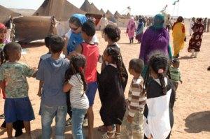 Con niños Sahrauís