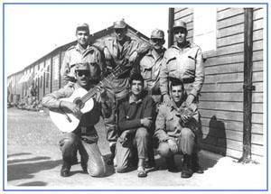 Pere Costa amb companys y guitarra al BIR